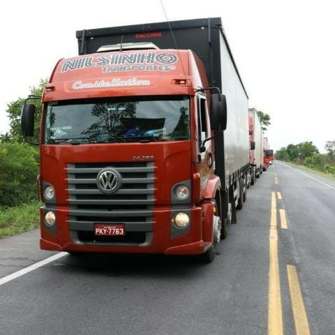 Mudanças, cargas em gerais e transporte de veículos para