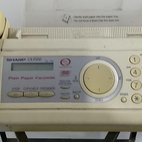 Antigo aparelho de fax sharp - no estado