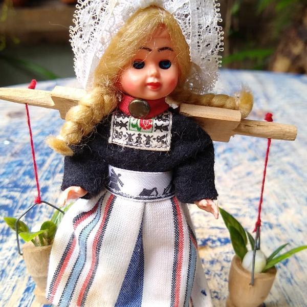 Boneca vintage holandesa