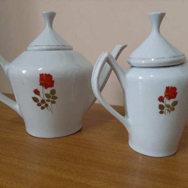 Chaleira e leiteira em porcelana antiga