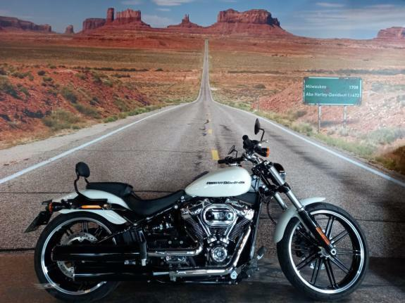 Harley-Davidson - Breakout