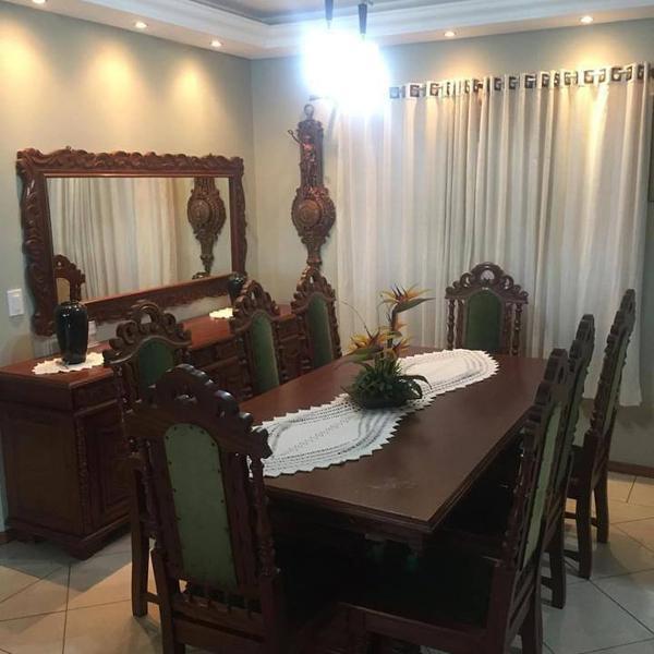 Mesa de jantar (8 lugares) + balcão + espelho de madeira
