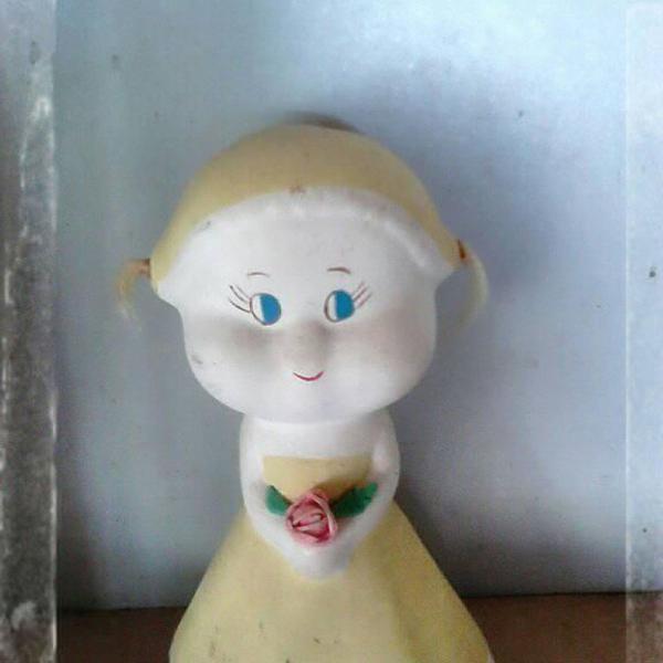 Boneca noiva de ceramica