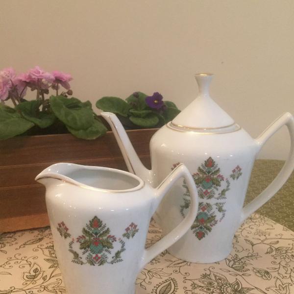 Conjunto antigo para chá ou café