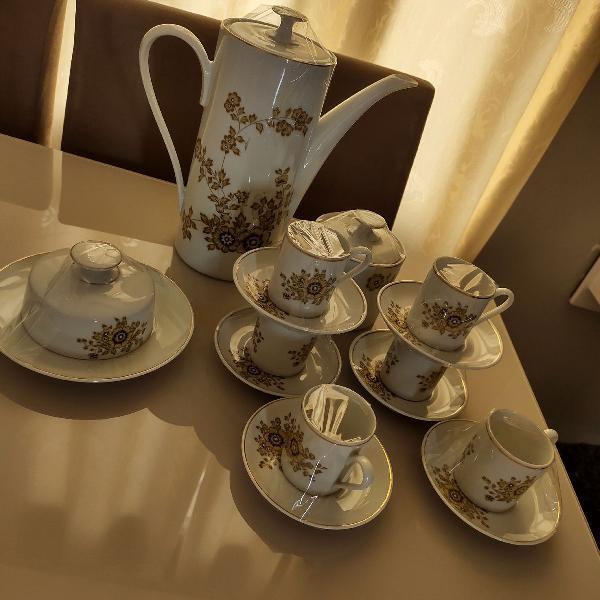 Conjunto de café porcelana real