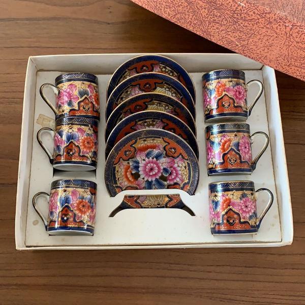 Jogo xícaras porcelana chinesa pintada a mão - 6 peças.