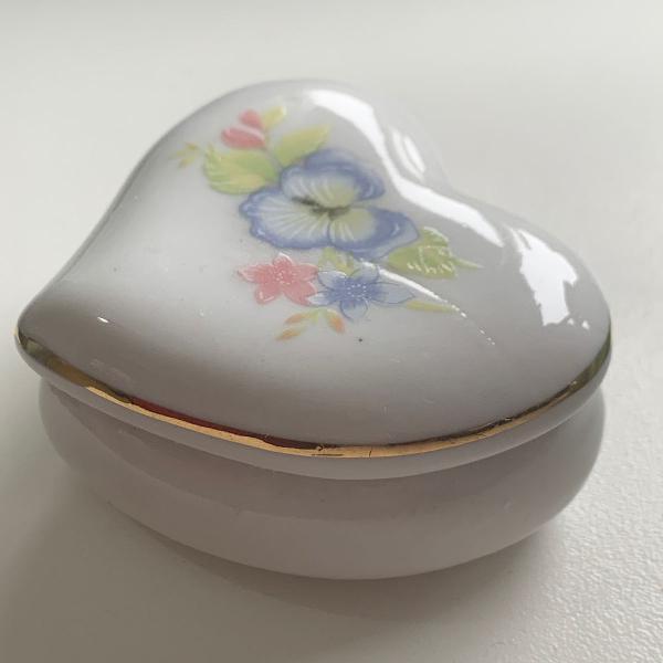 Porta joia ou porta treco antigo porcelana