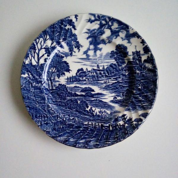Prato de sobremesa em porcelana inglesa