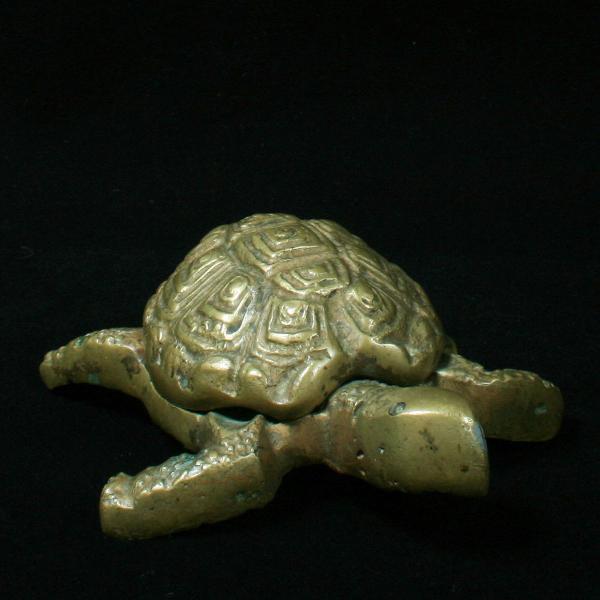 Tartaruga decorativa em bronze dos anos 70