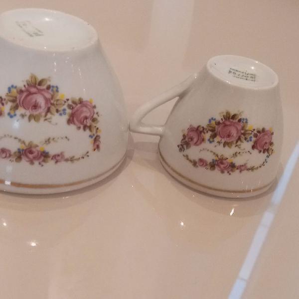 Xicaras de porcelana