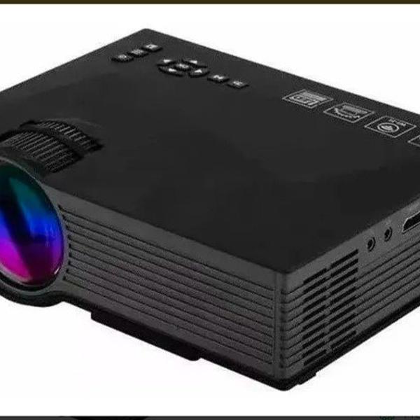 Mini projetor wiffi uc68