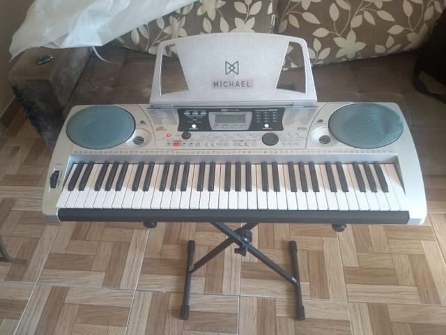 Vendo teclado michael kam500 (novo)