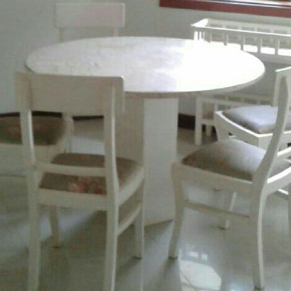 Sala de jantar completa em mármore travertino