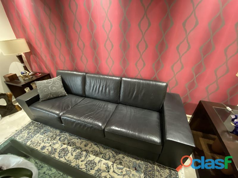 Sofa em Couro Legitimo