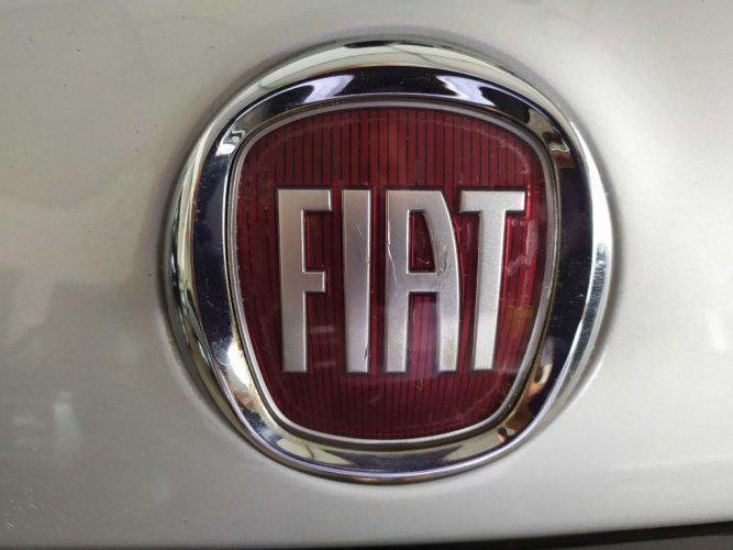 Fiat linea hlx ano 2009 flex dualogic único dono