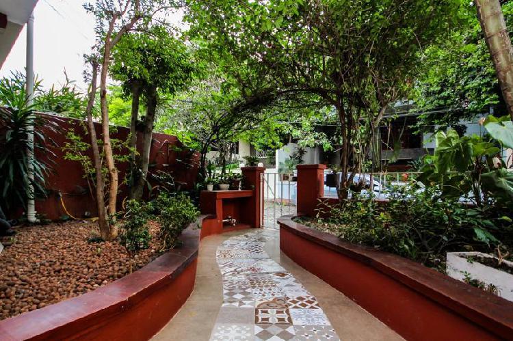 Vila/Rua Particular para venda possui 160 metros quadrados