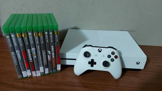 Xbox one s 1tb semi novo com garantia - aceitamos ps3 como