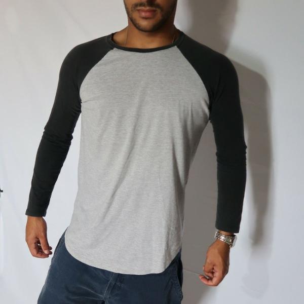 Blusa bicolor manga longa