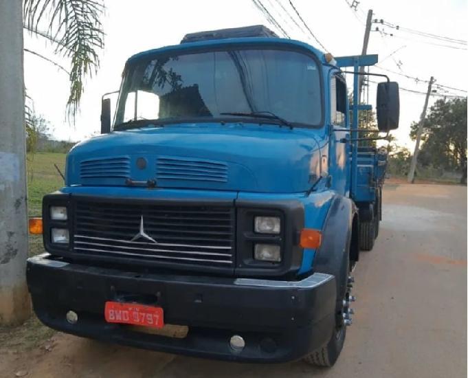 Mercedes truck 1313 entrada de 5mil parcelas a combinar