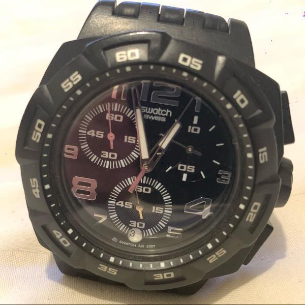 Swatch em silicone com maquinário blindado