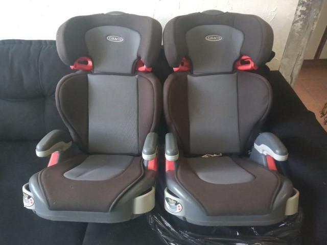 Duas auto cadeiras graco