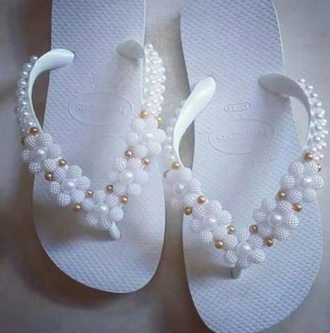 Sandálias bordadas personalizadas incríveis a partir de