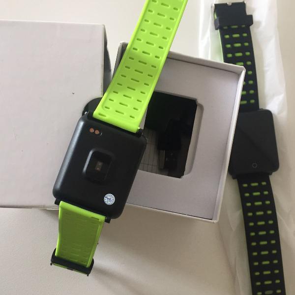 Smartwatchs monitor cardíaco