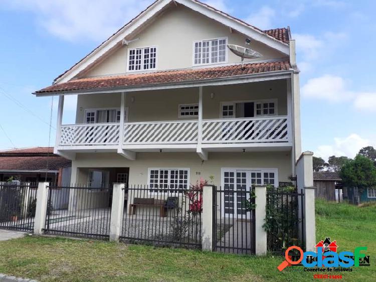 Sobrado amplo, com 05 dormitórios + suíte, em Bal. Barra do Sul - SC. 1