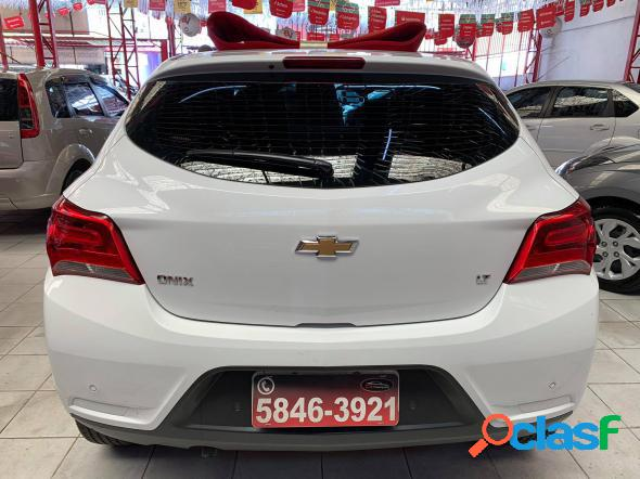 CHEVROLET ONIX HATCH LT 1.0 8V FLEXPOWER 5P MEC. BRANCO 2018 1.0 FLEX 1