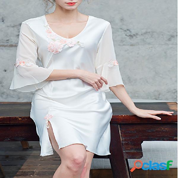 Camisola feminina de seda sintética com decote em v divisão bainha