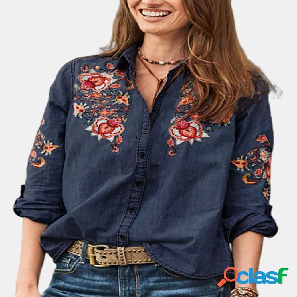Blusa jeans com gola virada para baixo bordada vintage