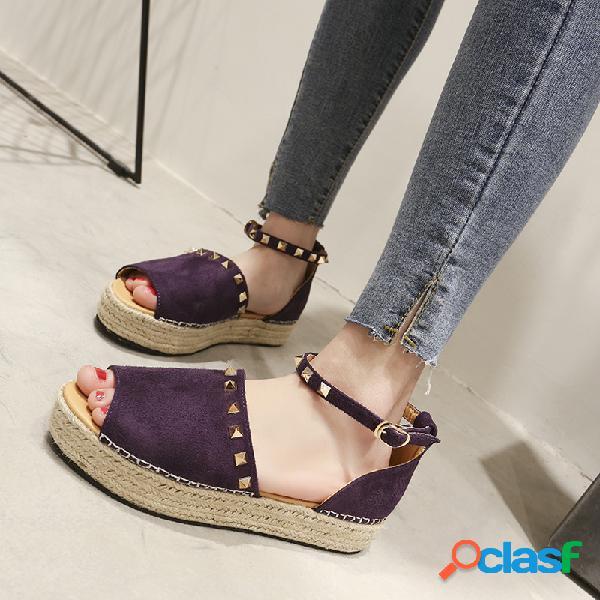 Tamanhos grandes mulheres camurça peep toe rivet decor buckle flats sandals