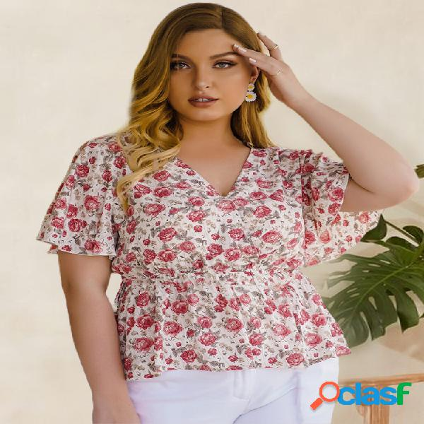 Blusa de manga curta com decote em v de estampa floral plus