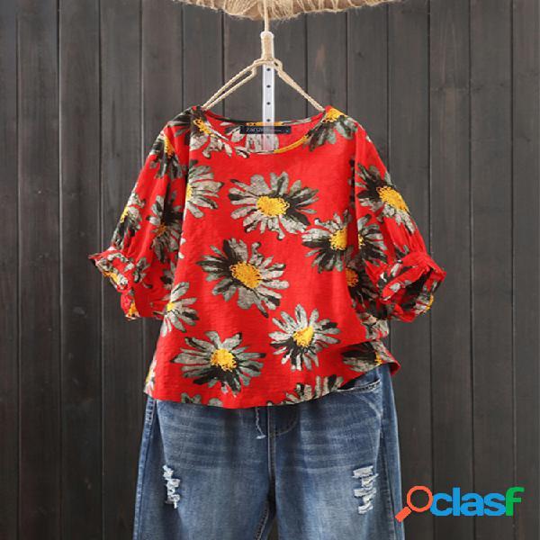 Camiseta com estampa de flores vintage com decote em o plus