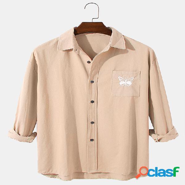 Camisa masculina de manga comprida com bordado borboleta de algodão solto e com bolso