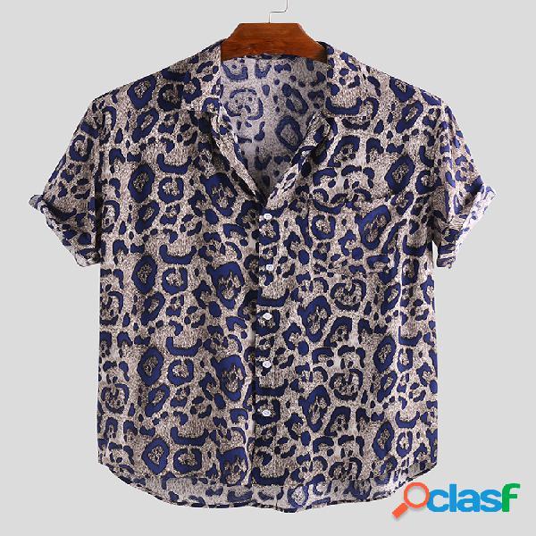 Camisa masculina com estampa de leopardo com bolso virado para baixo gola curta manga curta casual solta
