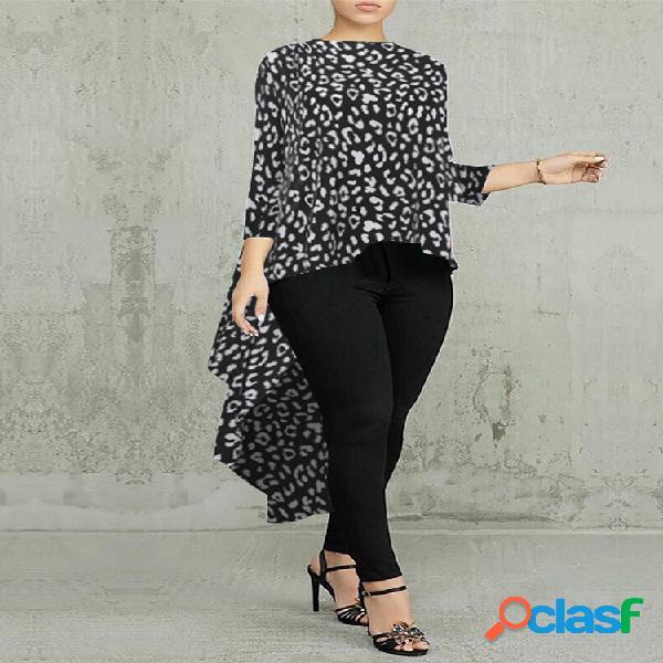 Blusa irregular de manga comprida com estampa de leopardo