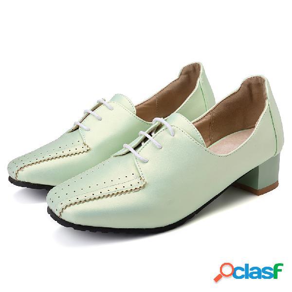 Mulheres tamanho grande mocassins sapatos de salto quadrado brogue