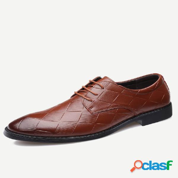 Sapatos formais para homens de tamanho grande com cordões vintage