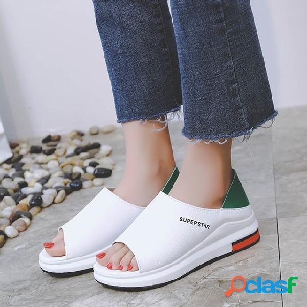 Sandals tamanho grande temporada das mulheres novas sapatas das mulheres estudantes selvagens plana praia sandálias casuais