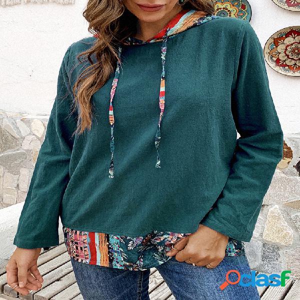 Blusa com capuz tamanho plus estampa floral patchwork bainha