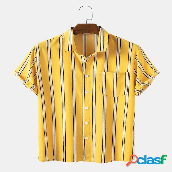 Camisas masculinas listradas com bolso no peito e manga curta