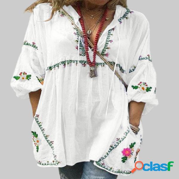 Blusa com estampa floral com decote em v plus tamanho solto