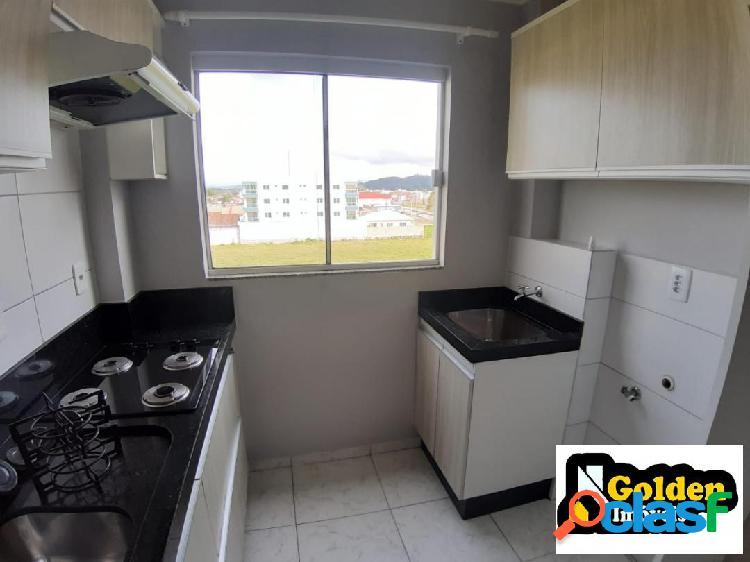 Apartamento de 2 dormitórios no bairro vx de novembro em tijucas-sc
