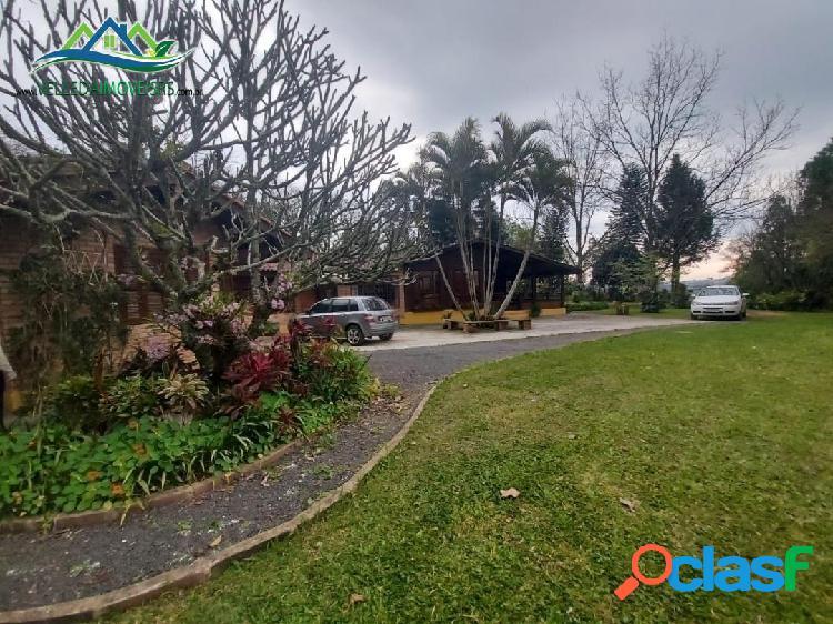 Velleda oferece magnífico sítio 8400 m², 4 km do centro de viamão, confira!
