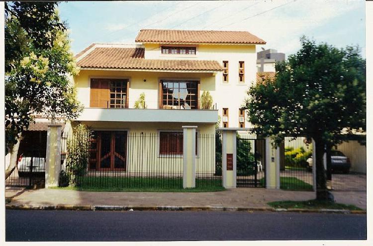 Casa comercial e/ou residencial com 398 m²