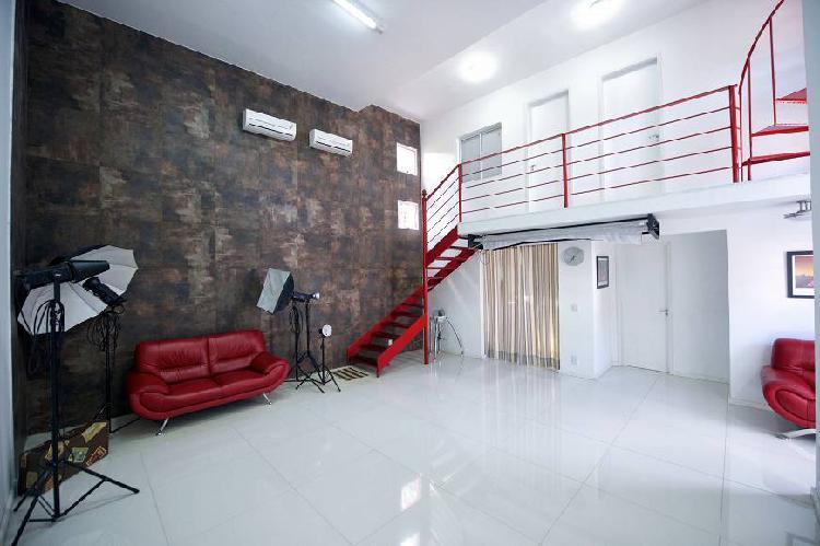 Casa de condomínio para venda com 400 metros quadrados com