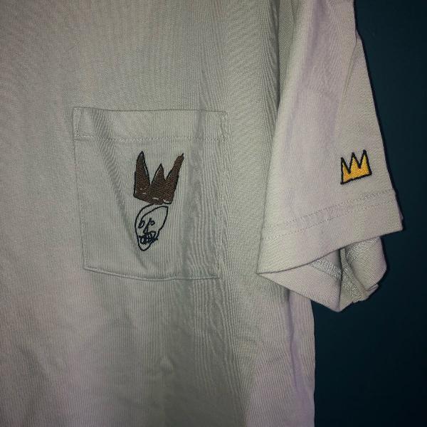 Camiseta uniqlo + basquiat - nunca usada g