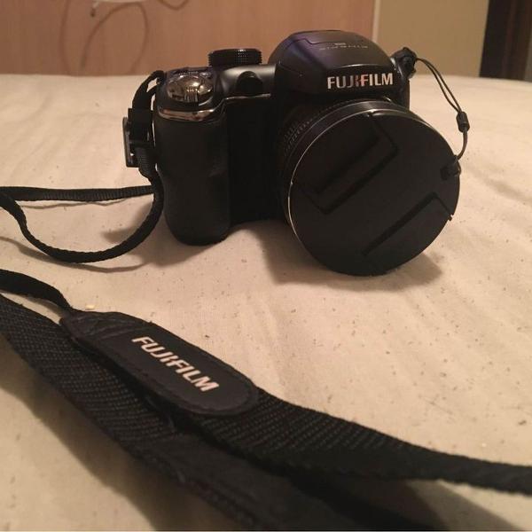 Câmera digital semi profissional