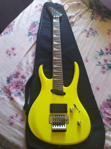 Guitarra tagima década 90